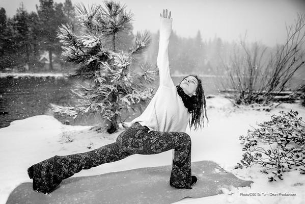 Tom_Dean-Sarah snow yoga_010-Edit