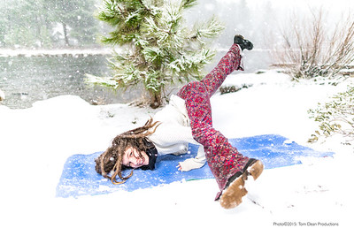 Tom_Dean-Sarah snow yoga_011-Edit