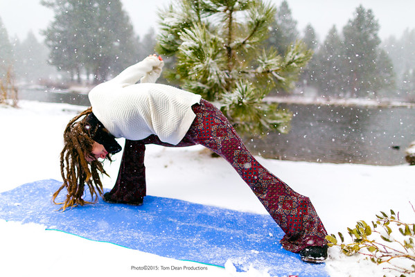 Tom_Dean-Sarah snow yoga_012-Edit