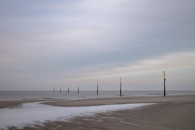 Bei Sonnenaufgang am Strand von Sankt Peter-Ording, Schleswig-Holstein, Deutschland