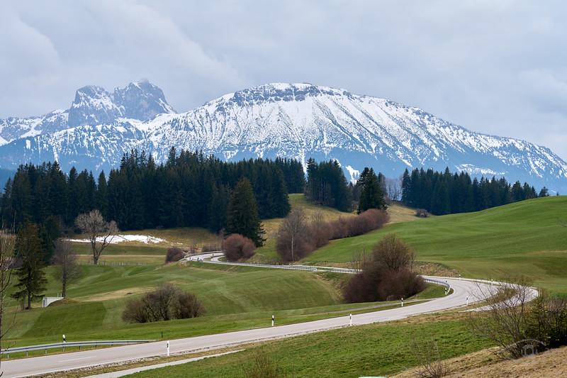 Bergpanorama von Eisenberg aus, Oberbayern, Bayern, Deutschland