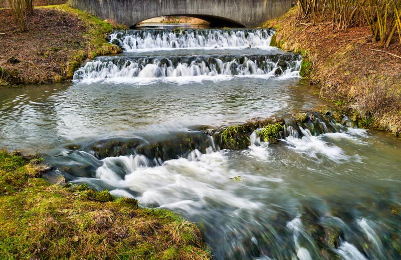 Wasserfall bei Riedenburg, Altmühltal, Niederbayern, Bayern, Deutschland