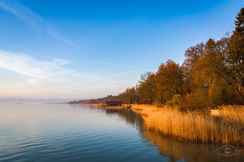 Sonnenaufgang am Uttinger Dampfersteg, Bayern, Deutschland