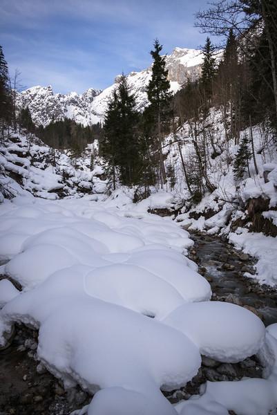 Trockenbach, verschneit im Winter, Mühlbach am Hochkönig, Österreich