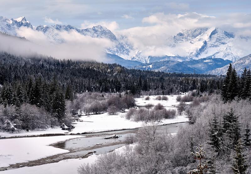 Isar zwischen Vorderriss und Sylvenstein-Stausee, Oberbayern, Bayern, Deutschland
