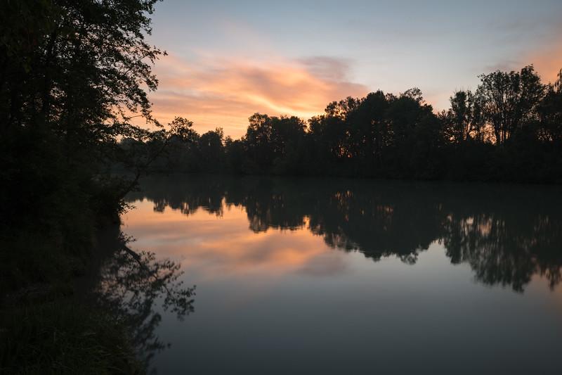 Der Lech zwischen der Staustufe 22 und 23, Sonnenaufgang, Schwaben, Bayern, Deutschland