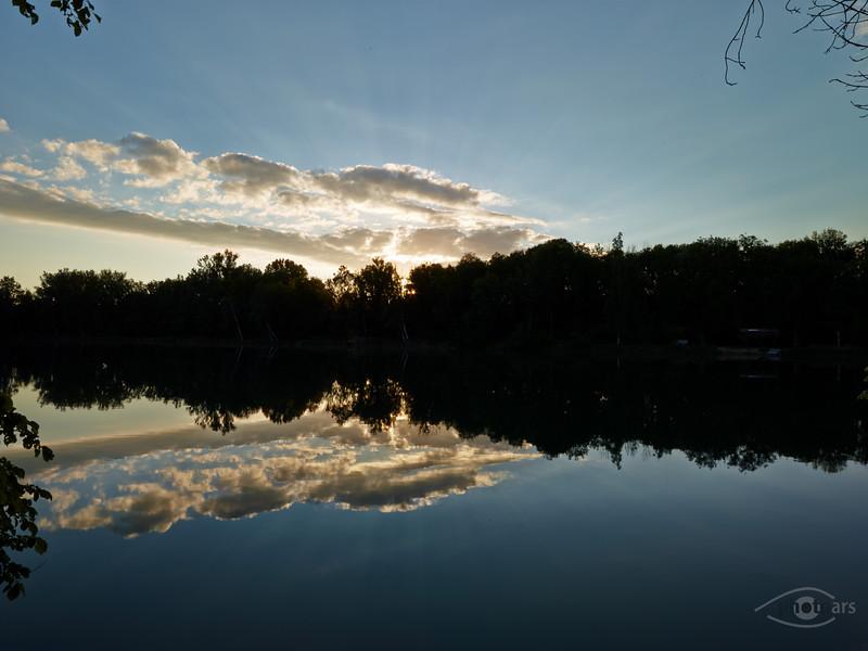 Sonnenaufgang am Badeweiher zwischen Genderkingen und Feldheim, Rain am Lech, Bayern, Deutschland