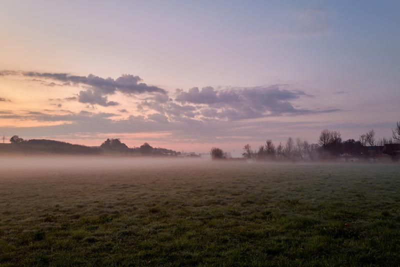 Sonnenaufgang bei Ebermergen, Schwaben, Bayern, Deutschland