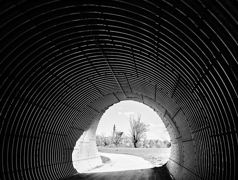 Tunnel mit Blick auf Donauwörth, Donauwörth, Schwaben, Bayern, Deutschland