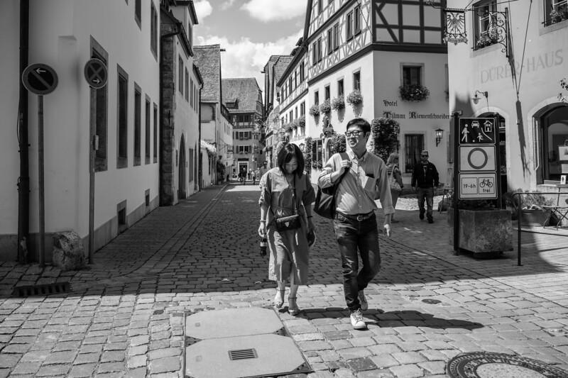 Asiatische Touristen, Rothenburg ob der Tauber, Mittelfranken, Bayern, Deutschland
