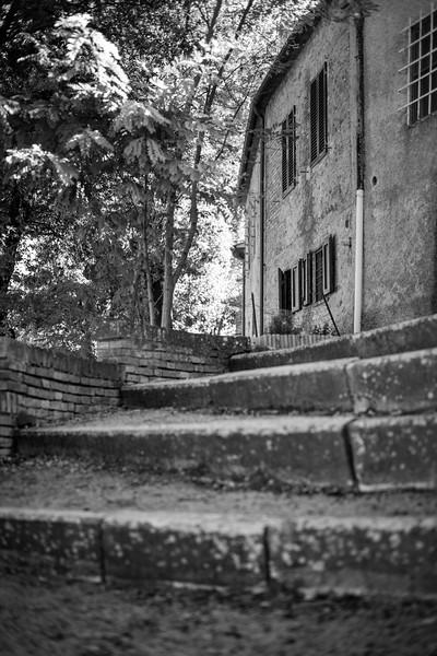 Treppe zum Castello von San Giovanni D'Asso, Toskana, Italien
