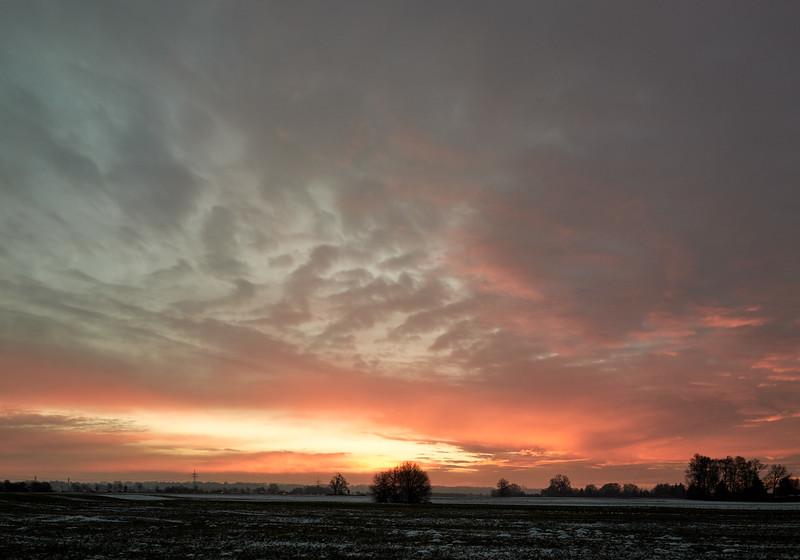 Sonnenaufgang im Industriegebiet Lechhausen, Augsburg, Schwaben, Bayern, Deutschland