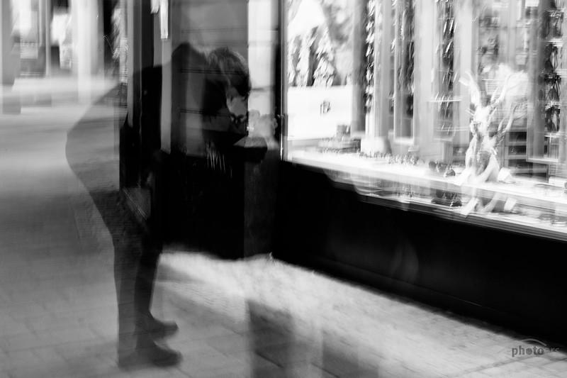 Alexandra fotografiert Schaufenster, kreativ, Augsburg, Schwaben, Bayern, Deutschland