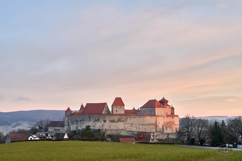 Harburg bei Sonnenaufgang, Donau-Ries, Schwaben, Bayern, Deutschland