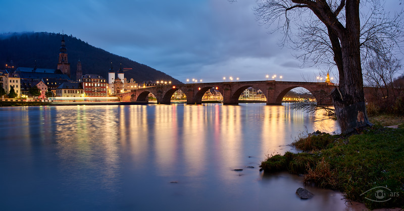 Alte Brücke, Blaue Stunde am Morgen, Heidelberg, Baden Württemberg, Deutschland
