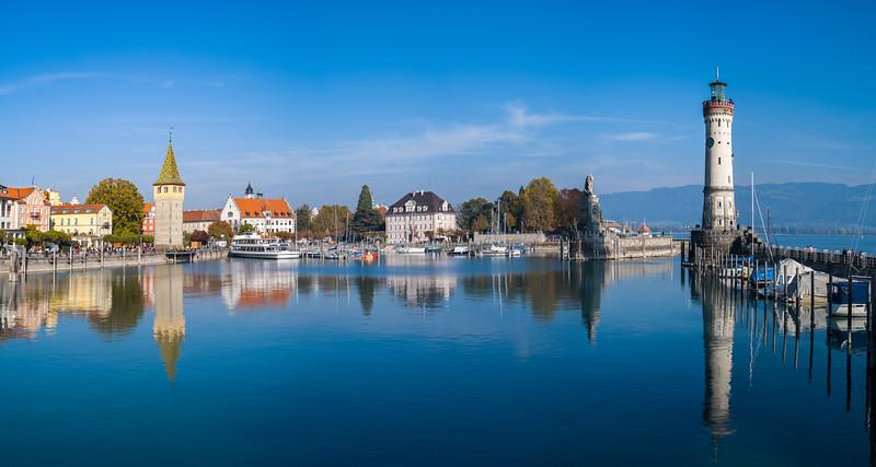 Hafen und Hafeneinfahrt von Lindau, Schwaben, Bayern, Deutschland