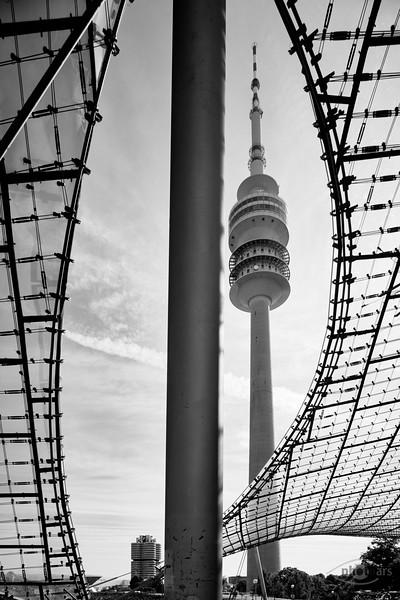 Olympia-Stadion und Fernsehturm, München, Oberbayern, Bayern, Deutschland