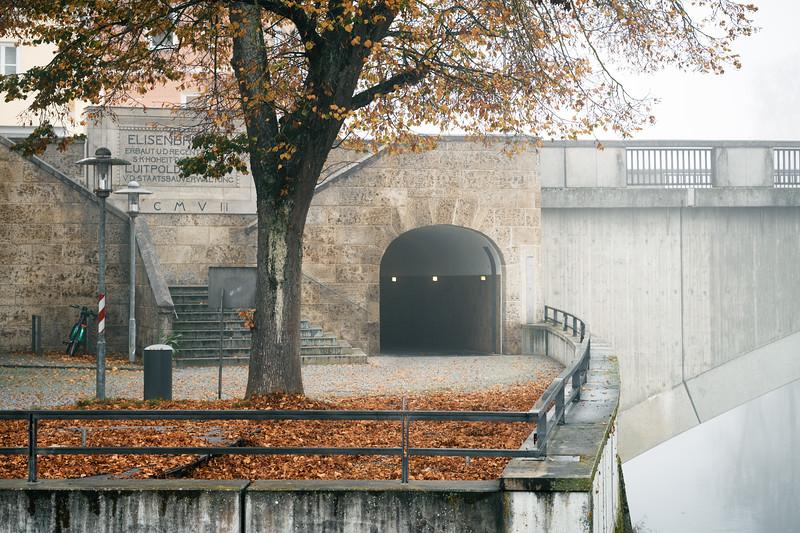 Streetphotography in Neuburg an der Donau, Neuburg an der Donau, Oberbayern, Bayern, Deutschland