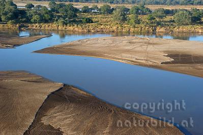 11-Z18-20 - Sandbänke im Luangwa Fluss