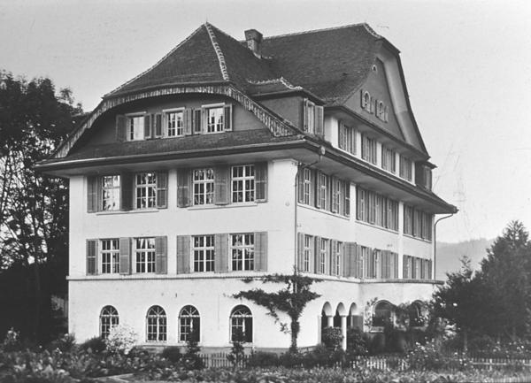 Dias5_36 Altersheim Schötz 1920