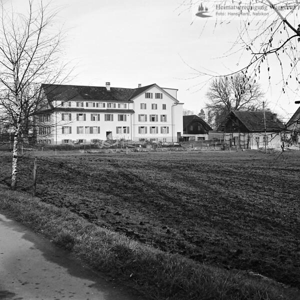 Landschaftsaufnahme mit Gebäude 1984
