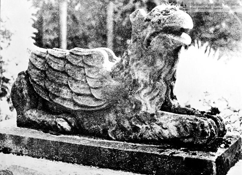 Fotografie aus Buch Steinskulptur