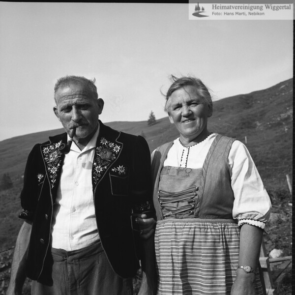 #030038 | Franz-Josef Vogel-Bieri, 1903-1996 Katharina Vogel-Bieri, 1908-1989; auf Alp Arnibärgli; Sörenberg; anv