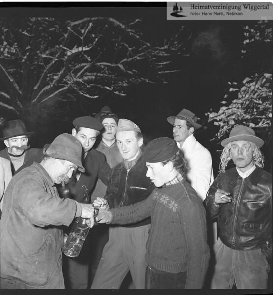 #030416 | Giritzjagen um 1960; Startpunkt im Oberdorf; Mundschenk Fritz Berger; ww