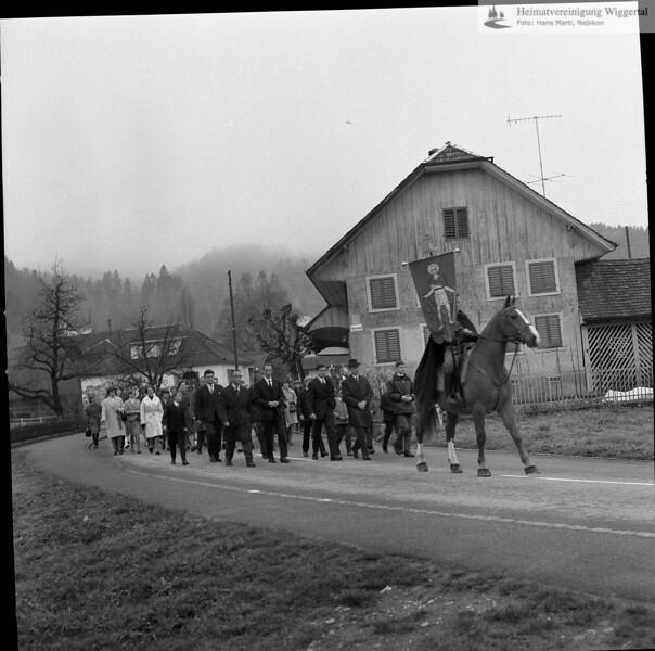 #031232 | Auffahrtsumritt; Altishofen, Unterdorf; hebi