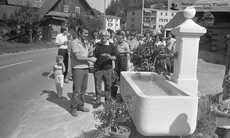 Brunnen Dorf,Glas 1984