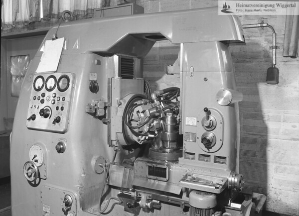 #040872   Zahnradfabrik Grob AG; 1976; MHN; fja