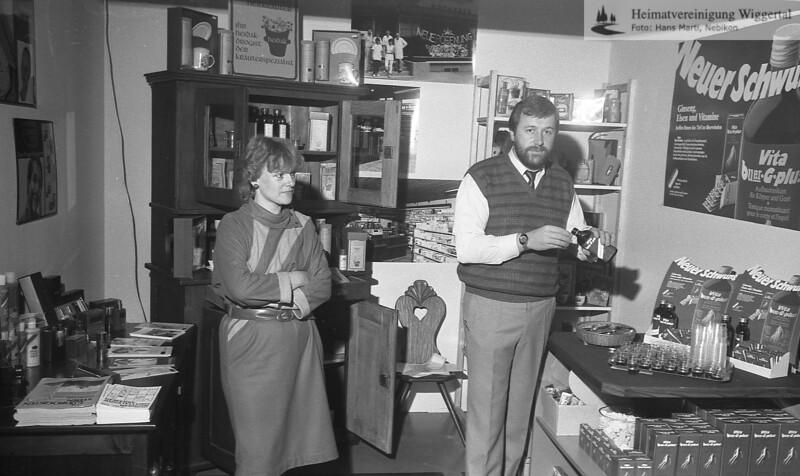 #040969 | Gewerbeausstellung 1983; Luzia und Kurt Schlüssel, Drogerie; RuO