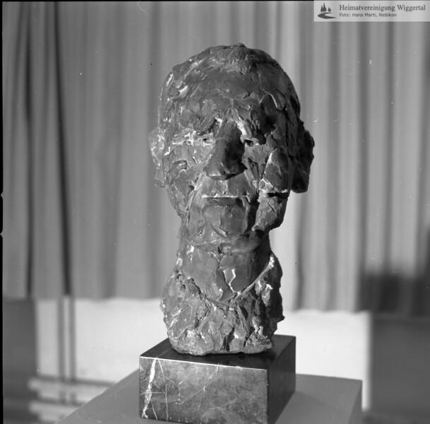 #041153 | Kunstausstellung Bern; Büste von wem?; wer?; MHN