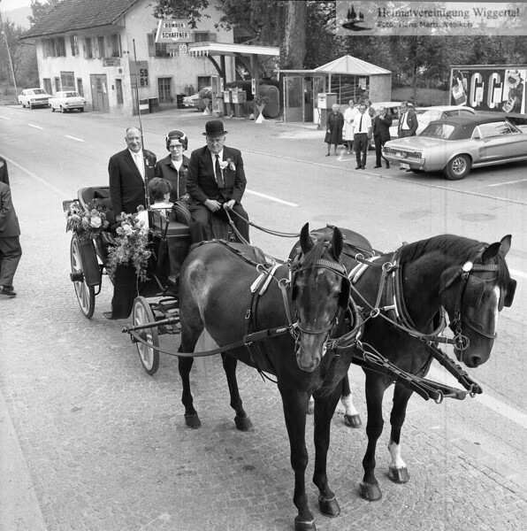 #041485 | was?; wer?; Kantonsstrasse, vor Gasthaus Adler; SHU