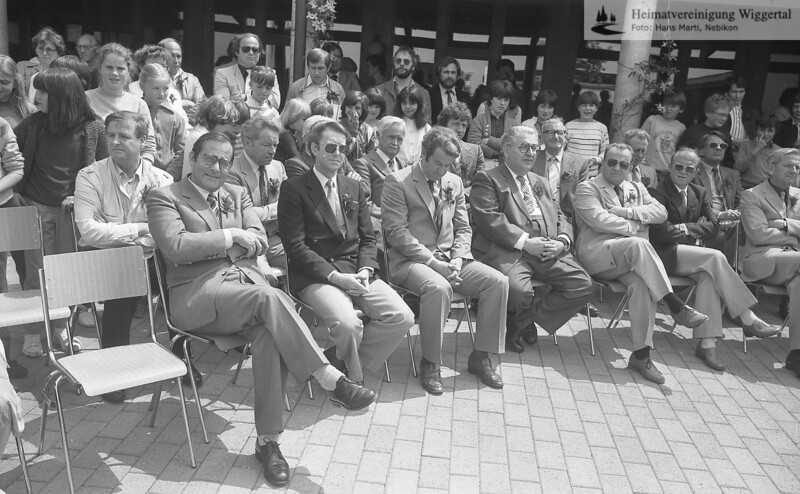 #041629 | vorne vlnr.:; Dr. Walter Gut, Regierungsrat; Paul Pfenniger, Nebikon (Sonnenbrille)Kantonalschulinspektor; wikr