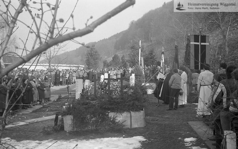 Fam.Wermelinger Bestattung Anfang 1984