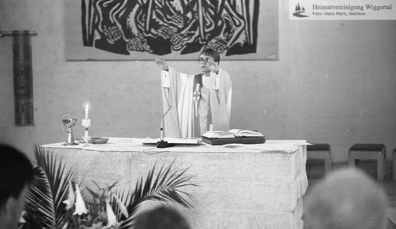 #050635 | Primiz Roland Häfliger; 25. juni 1989; Segen in der Pfarrkirche; MHN