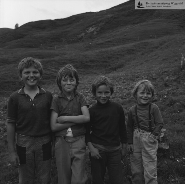 #051175 | Kinder; wo? was?; wer?