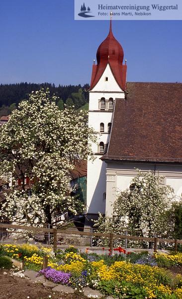 #201744 | Pfarrkirche von Süden; 1995; fja