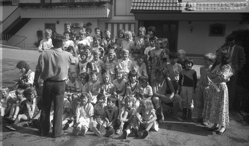 Reportagen Schulbibliothek Altbüron Einweihung Anfang Juli 1986