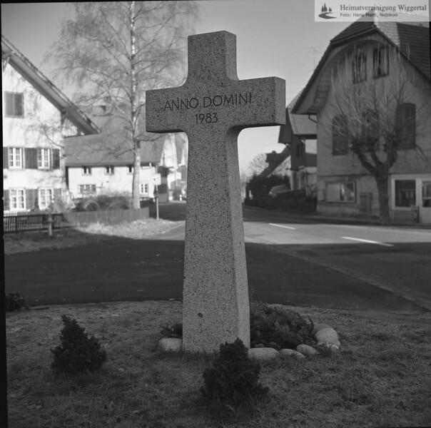 Kreuz 1987 gestellt