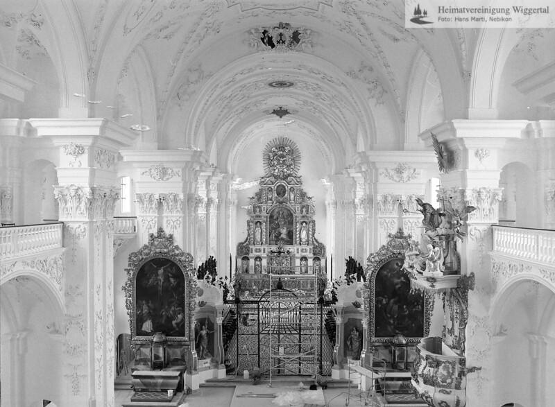 #100552 | Klosterkirche; Blick von der Orgel in den Chor mit dem Hochaltar; links; Kreuzaltar; rechts; Ulrichsaltar; elaf