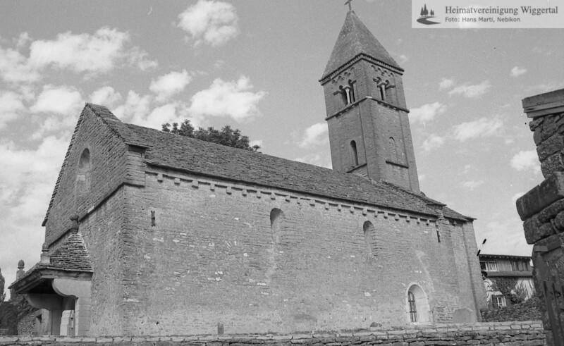 #100694   Taizé F; romanische Kirche; amei; fja