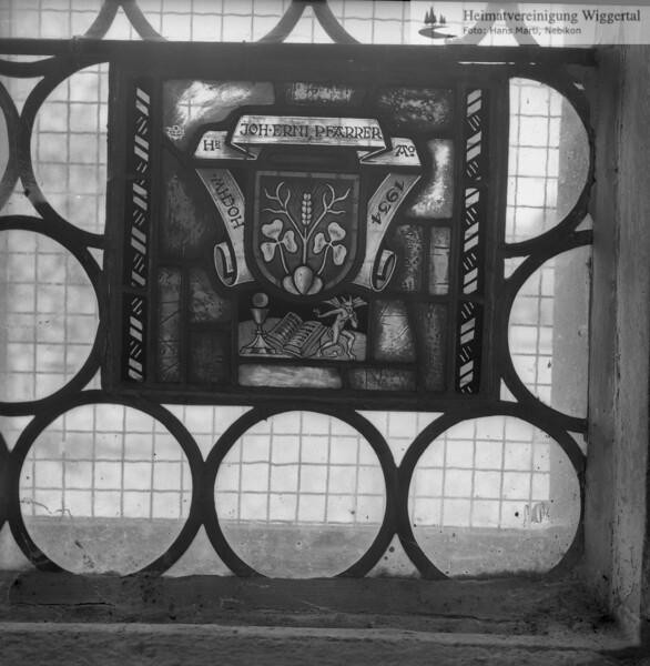#110116 | Wappenscheibe; HOCHW. HR. JOH. ERNI, PFARRER Ao 1934; fja