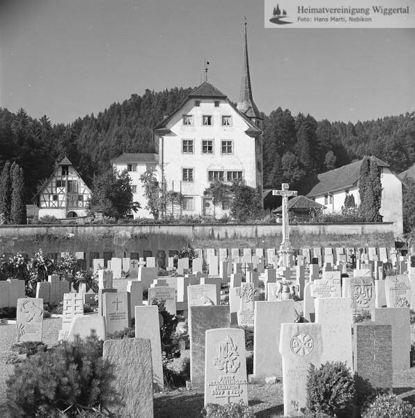 #110137 | Schloss; Kornschütte; Friedhof; fja
