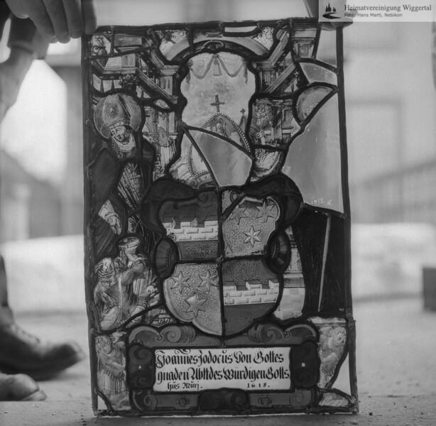 #110122 | Wappenscheibe; Joannes Jodocus von Gottes; gnaden Abtt des würdigen Gotts; hus Murj 1618; fja
