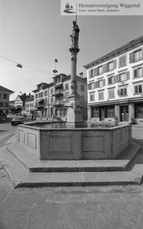 #140080 | Dorfbrunnen; brw