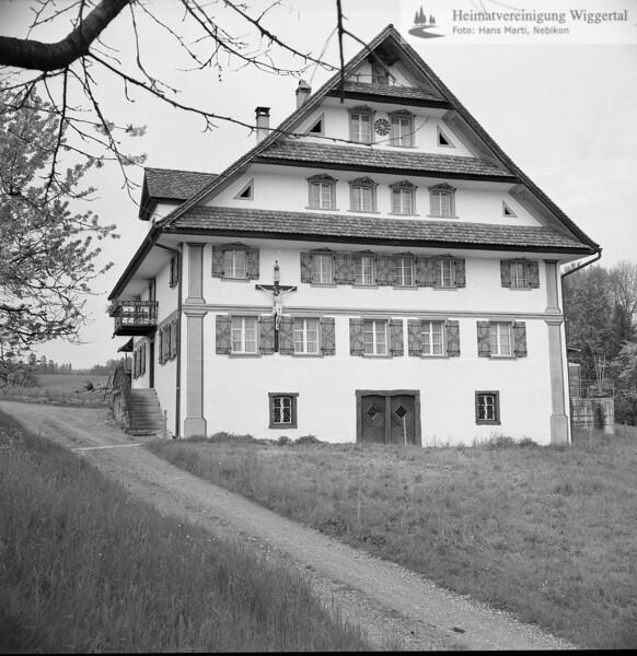 #140172 | Bauernhaus in Ottenhusen, von Otto Leu; s. J.K.Felber, Luzerner Kostbarkeiten; fja