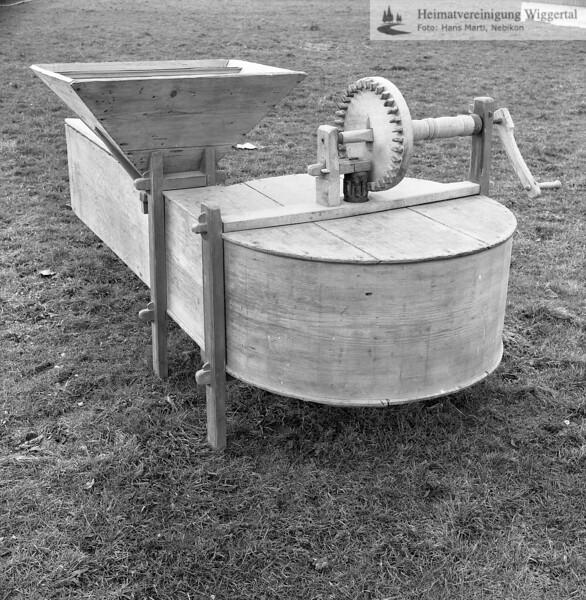 #150131 | Agrovision Burgrain; Museum; Getreiderölle, damit konnte man die Körner von der Spreu trennen; PBA