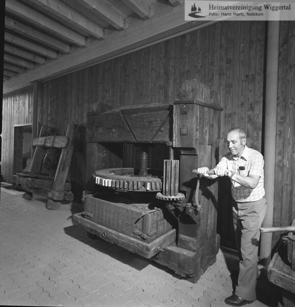 #150204 | Burgrain; Museum; Obstpresse; Xaver Rütimann, dipl.Ing.agr.ETH, Willisau; fja